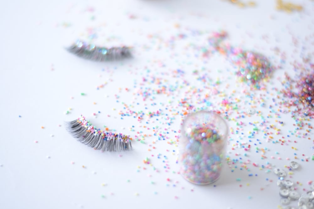 The Confetti Bar_DIY Confetti Lashes_0007